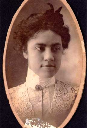 [Photo: Dorothy's mother, Rhoda Hunt
