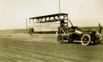 [Photo: AAA auto races, Dodge City, Kansas, Oct. 7, 1916.]