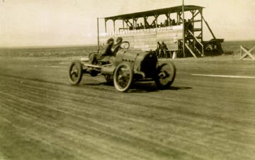 [Photo: AAA 150-mile auto race, Dodge City, Kansas, Oct. 7, 1916.]